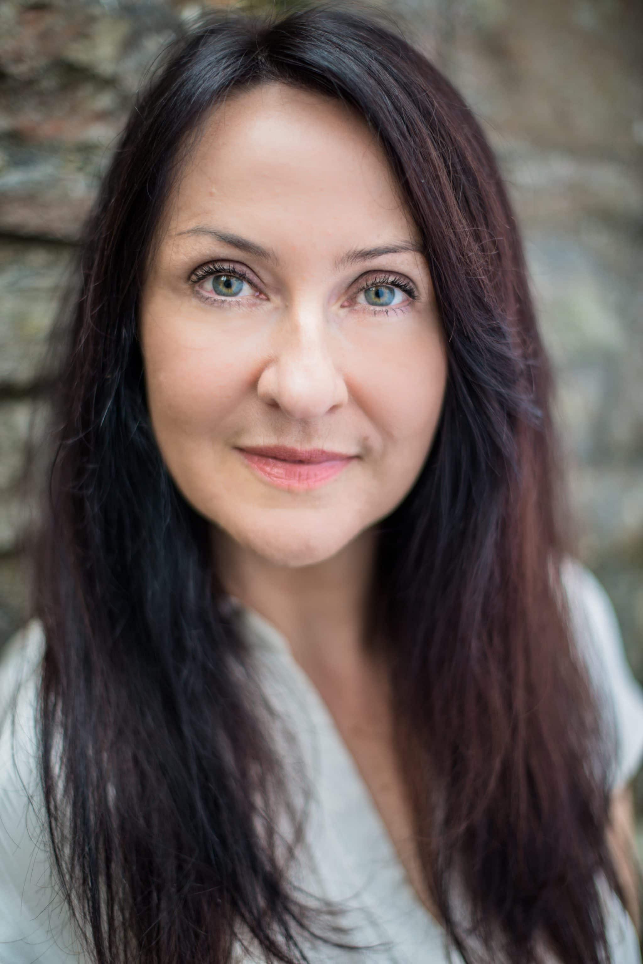 Actress headshots Alison Lenihan