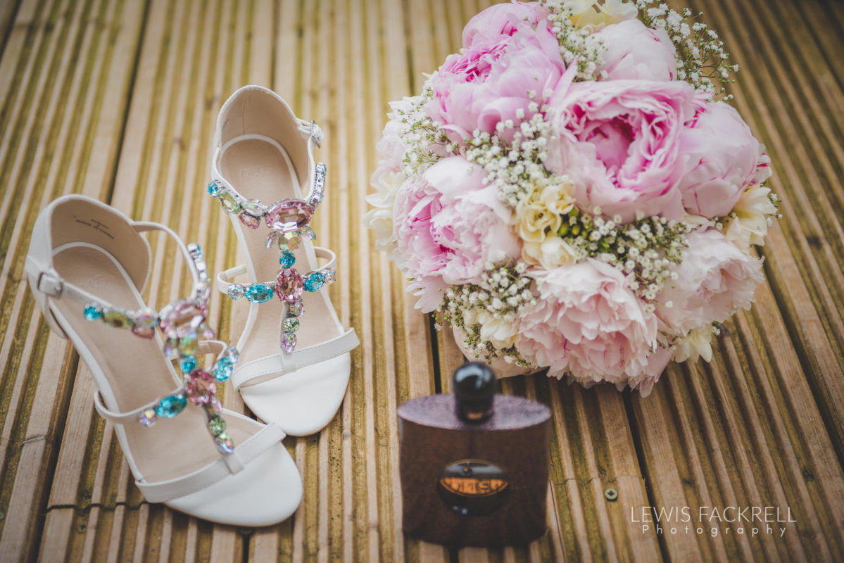 Lewis-Fackrell-Photography-Wedding-Photographer-Cardiff-Swansea-Bristol-Newport-Pre-wedding-photoshoot-cerian-dan-canada-lake-lodge-llantrisant--11