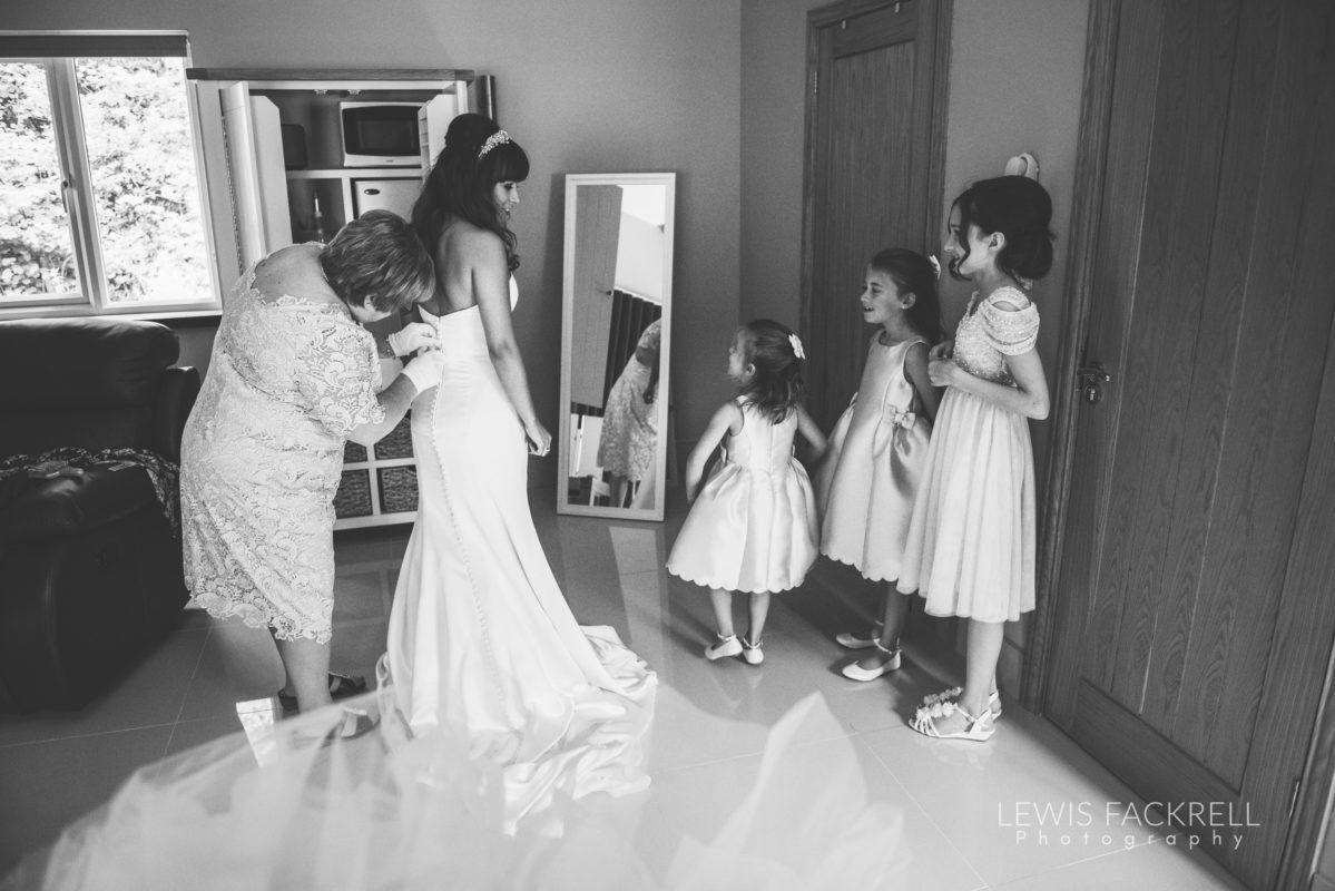 Lewis-Fackrell-Photography-Wedding-Photographer-Cardiff-Swansea-Bristol-Newport-Pre-wedding-photoshoot-cerian-dan-canada-lake-lodge-llantrisant--15