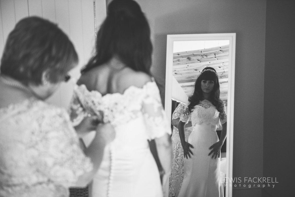 Lewis-Fackrell-Photography-Wedding-Photographer-Cardiff-Swansea-Bristol-Newport-Pre-wedding-photoshoot-cerian-dan-canada-lake-lodge-llantrisant--16