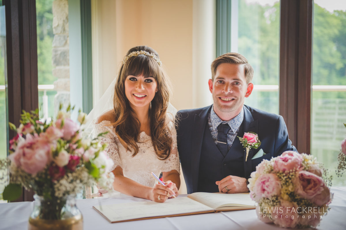 Lewis-Fackrell-Photography-Wedding-Photographer-Cardiff-Swansea-Bristol-Newport-Pre-wedding-photoshoot-cerian-dan-canada-lake-lodge-llantrisant--30