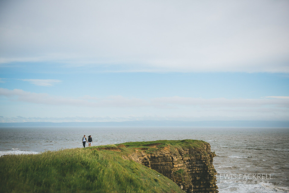 Leena-Simon-Nash-point-lighthouse-wedding-South-Wales-Wedding-photographers-Lewis-Fackrell-Photography9