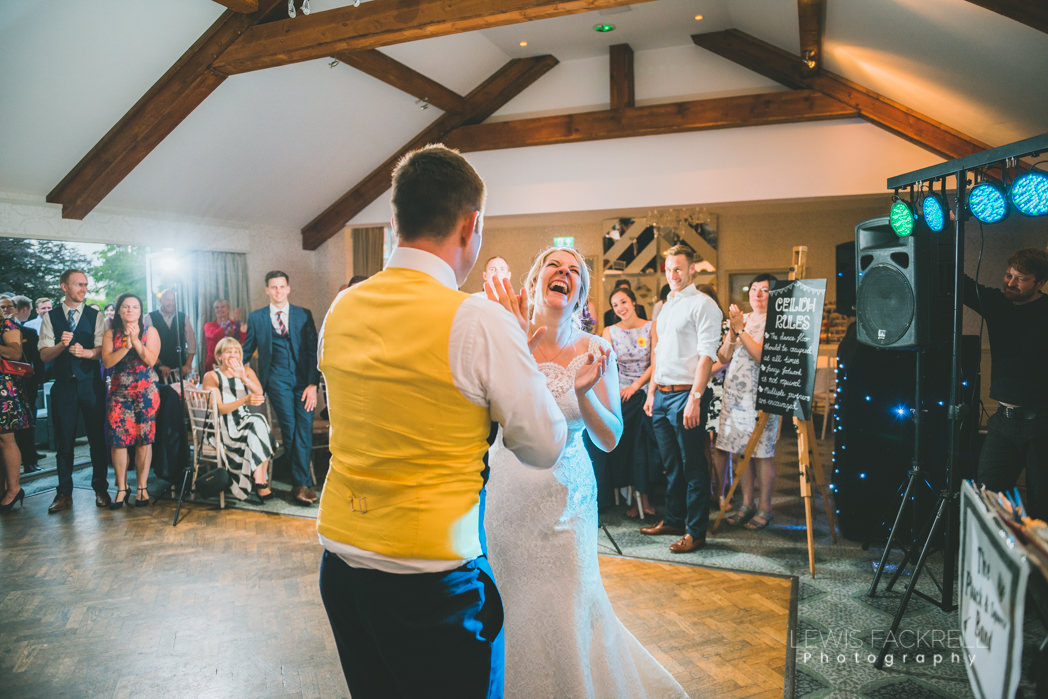 groom and bride dancing