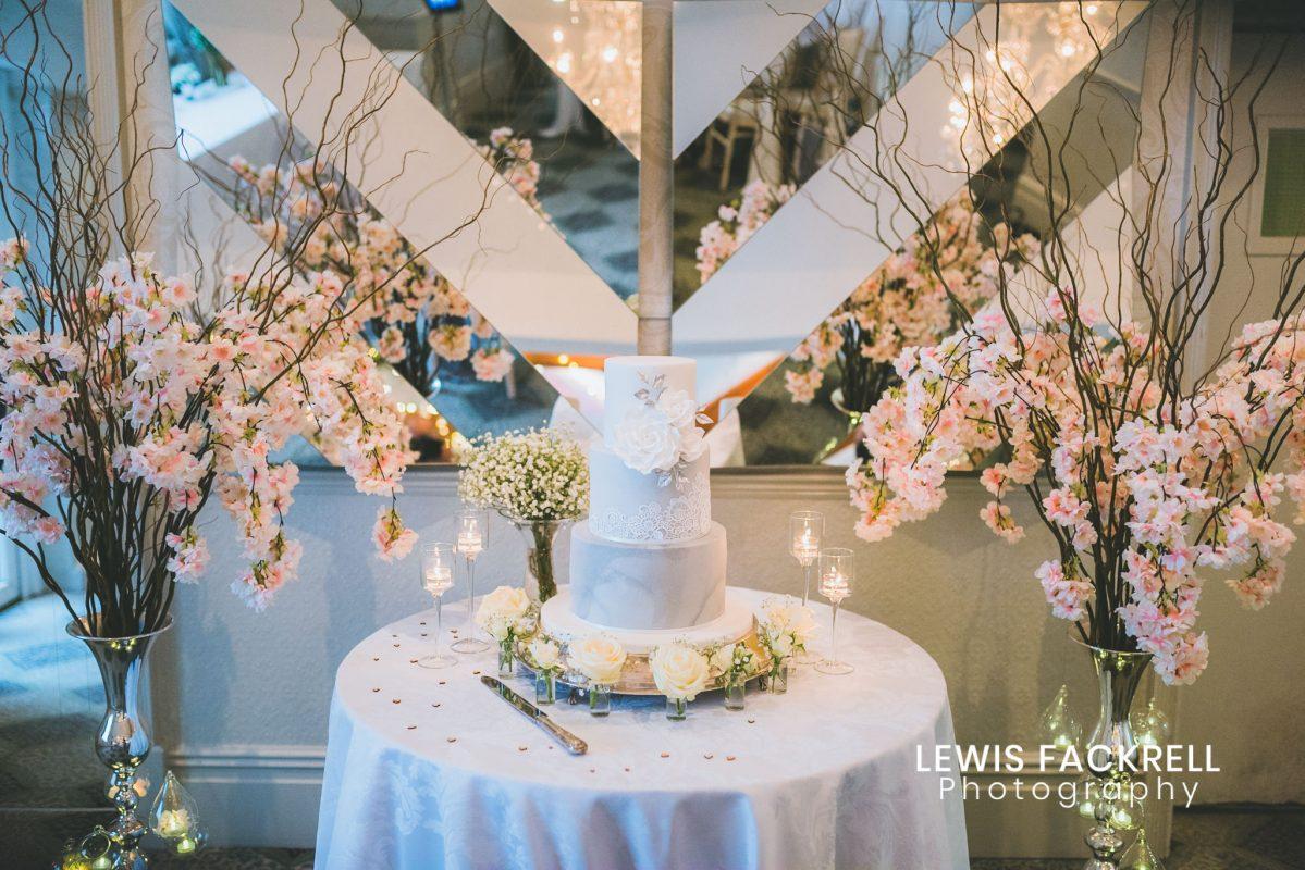 Coed y Mwstwr wedding photography cake
