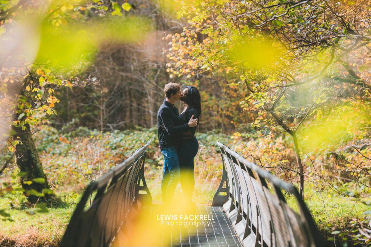pre-wedding photo session at autumn in Brecon