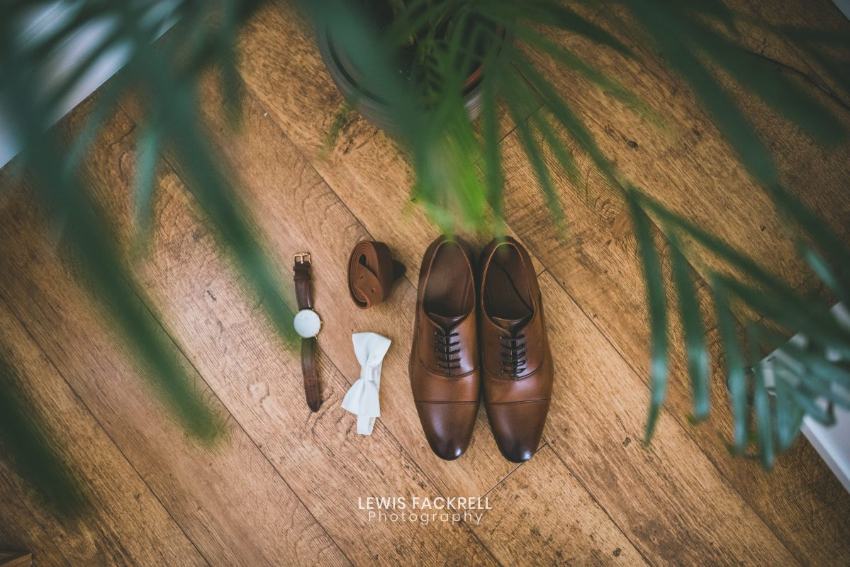 Grooms prep, shoes and wedding details