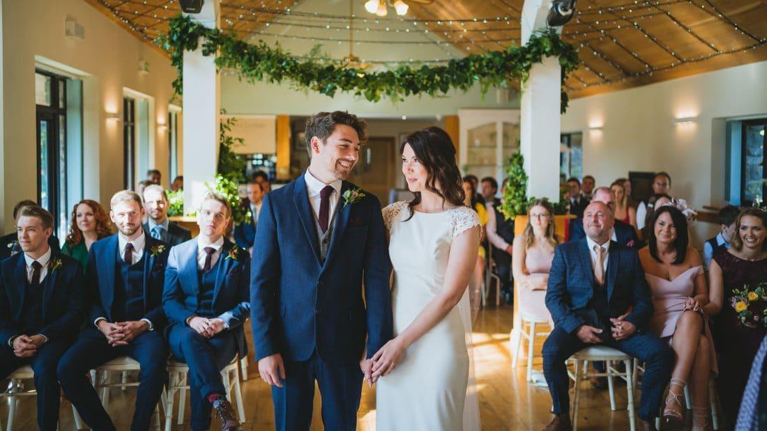 Canada-lodge-wedding-photography-ceremony